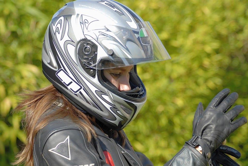 motarde et équipement